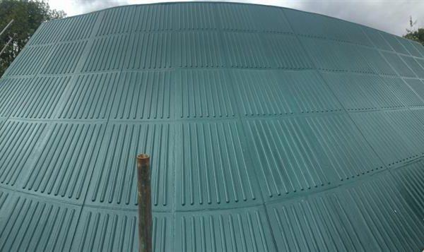 Green liquid rubber coating for roof repair