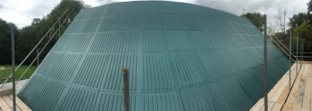 Green liquid rubber coating for roof repair